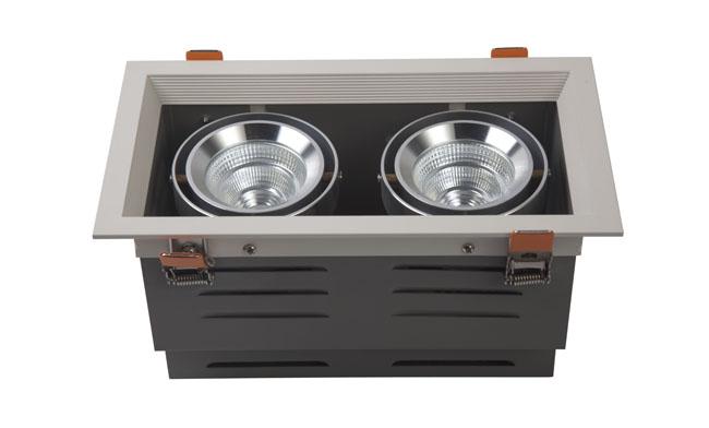 LED豆胆灯 18W 开孔尺寸240x120mm LED双头格栅射灯