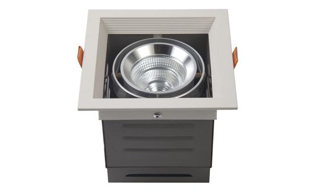 LED豆胆灯 9W 开孔尺寸120x120mm LED单头格栅射灯